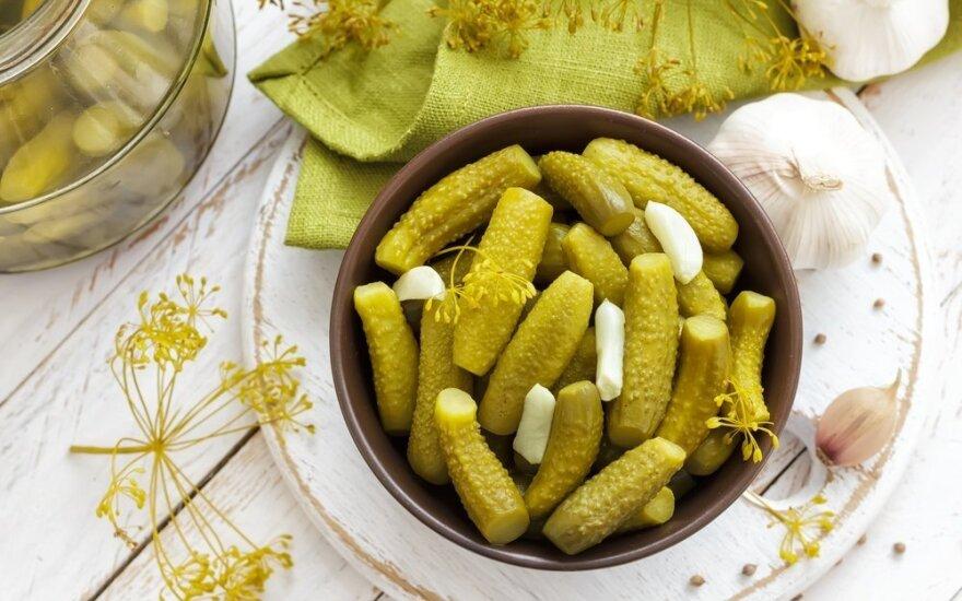 Tinginių receptas: šaltuoju būdu rauginti agurkai