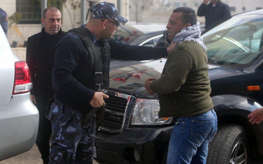 Palestiniečiai protestavo prieš Kanados užsienio reikalų ministrą Johną Bairdą