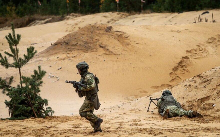 Siūlo vėlinti pareigūnų ir karių išėjimą į pensiją
