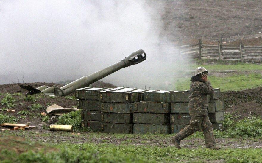 Mūšyje prie sienos su Azerbaidžanu žuvo trys Armėnijos kariškiai