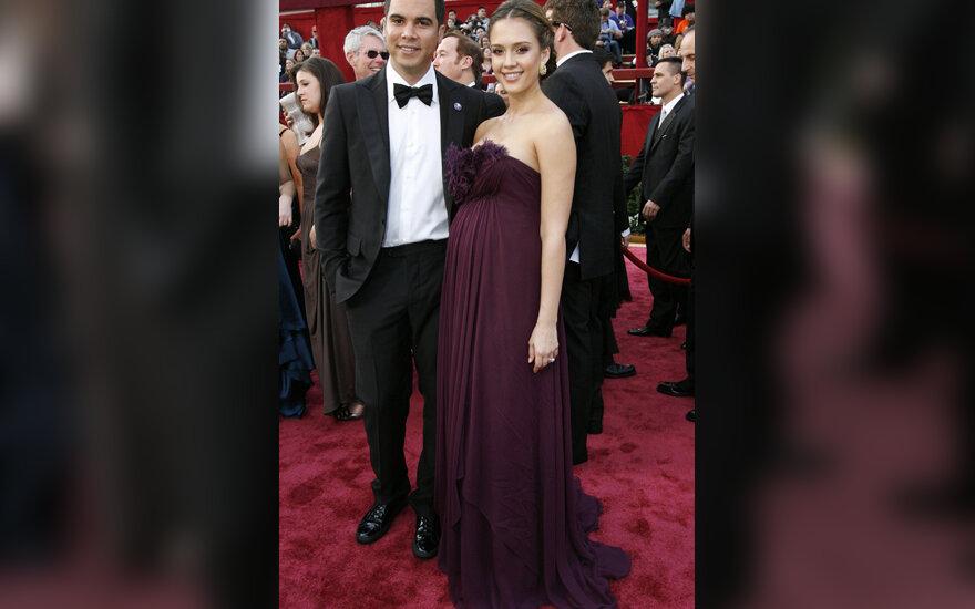 Jessica Alba su savo vaikinu Cashu Warrenu