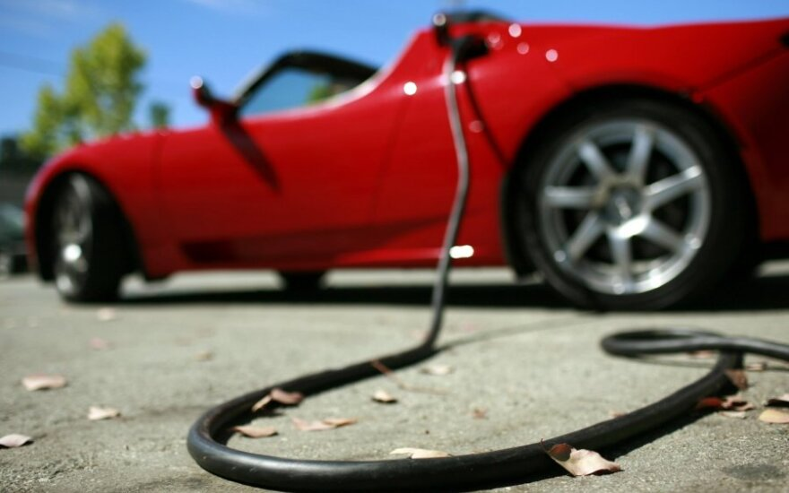 Tesla Roadster, elektromobilis