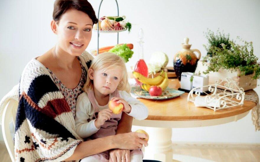 Aistė Jasaitytė-Čeburiak su dukrele(ruzelefoto.lt nuotr.)