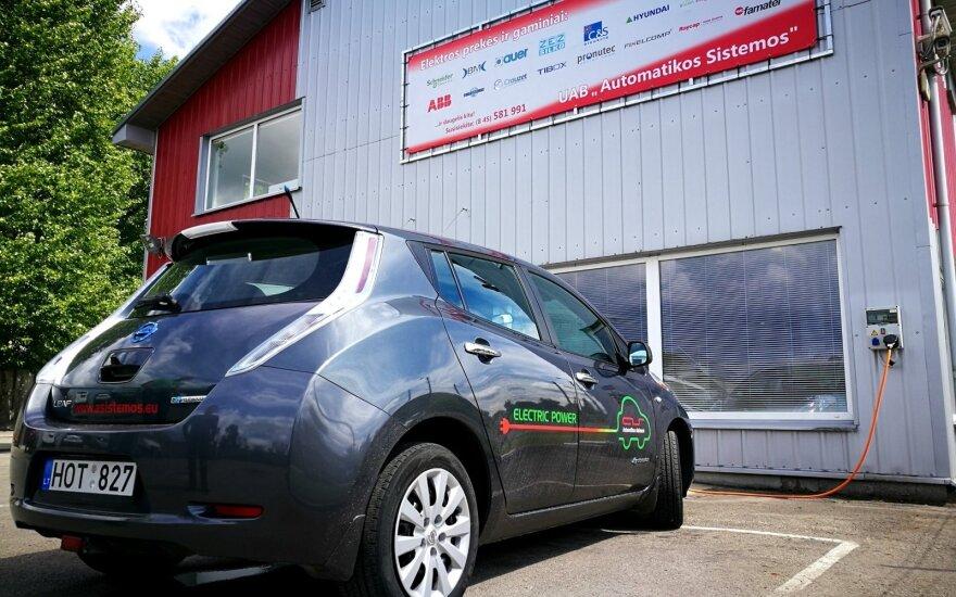 Panevėžyje pastatė antrą elektromobilių krovimo stotelę