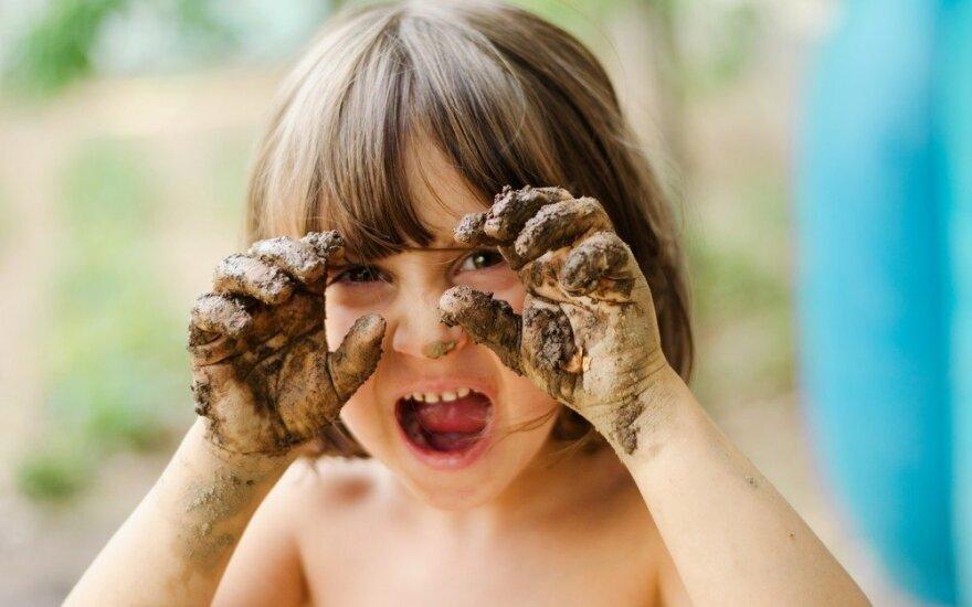 Neįtikėtina mikrobų nauda vaikų imuniteto vystymuisi: ką tėvai daro neteisingai