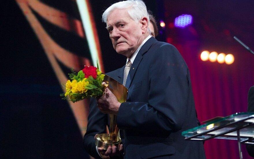 J. Giedroyco premijos laureatas V. Adamkus: aš turiu svajonę