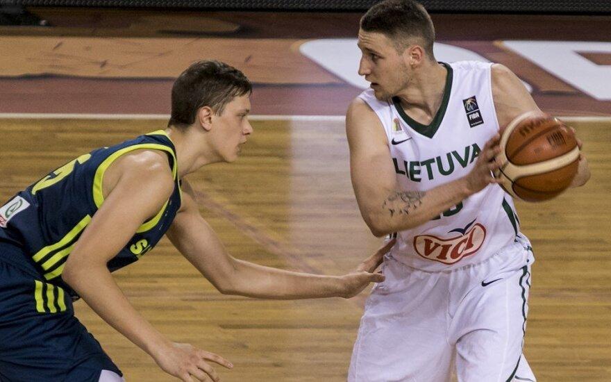 Martynas Varnas (dešinėje)