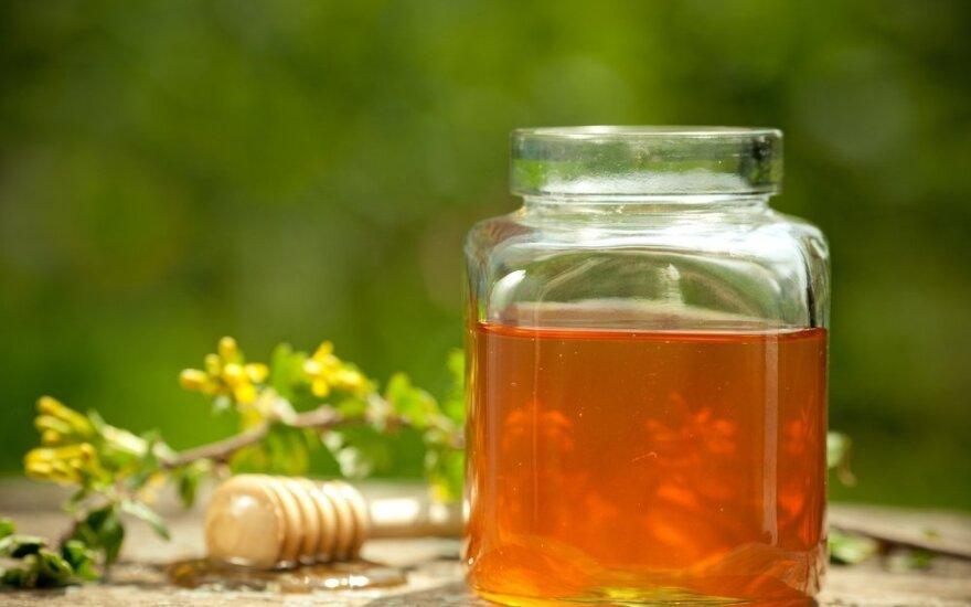 Pailsėkite nuo chemikalų: natūralūs prausikliai atgaivins odą