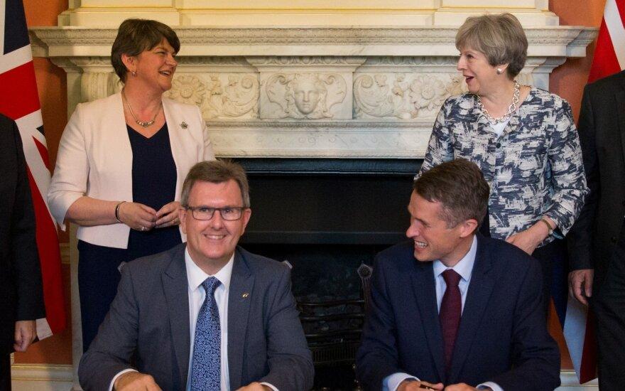 Žlugo Šiaurės Airijos derybos dėl valdžios pasidalinimo