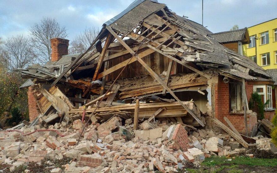Žagarėje nugriaudėjo galingas sprogimas, sugriautas namas