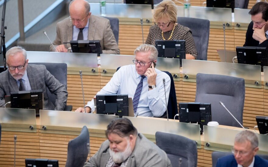 Seimas grįžta prie partijų finansavimo pertvarkos