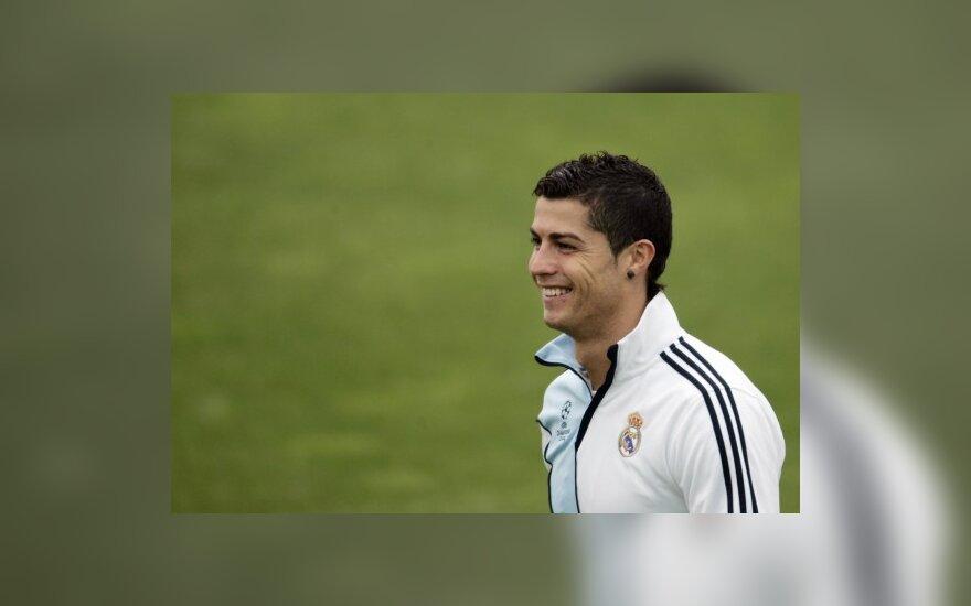 "Cristiano Ronaldo (Madrido ""Real"")"