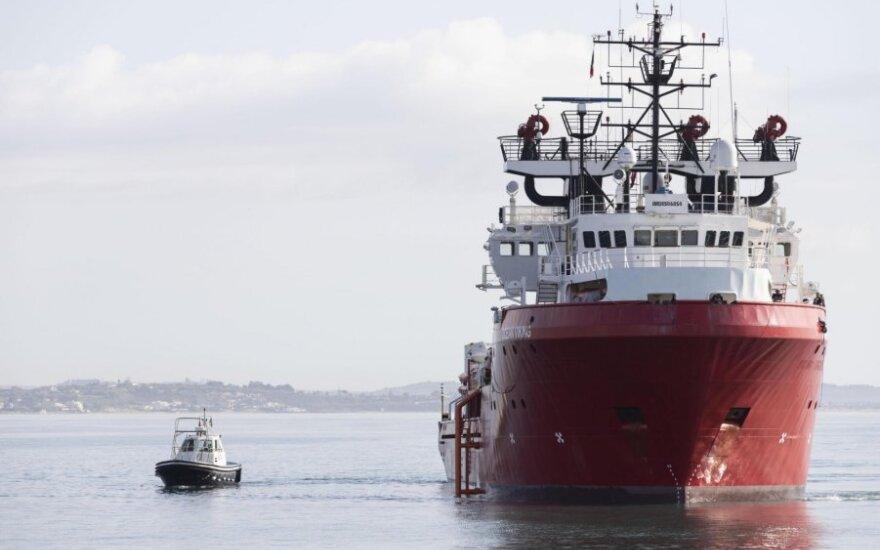 """Gelbėtojų laivas """"Ocean Viking"""""""