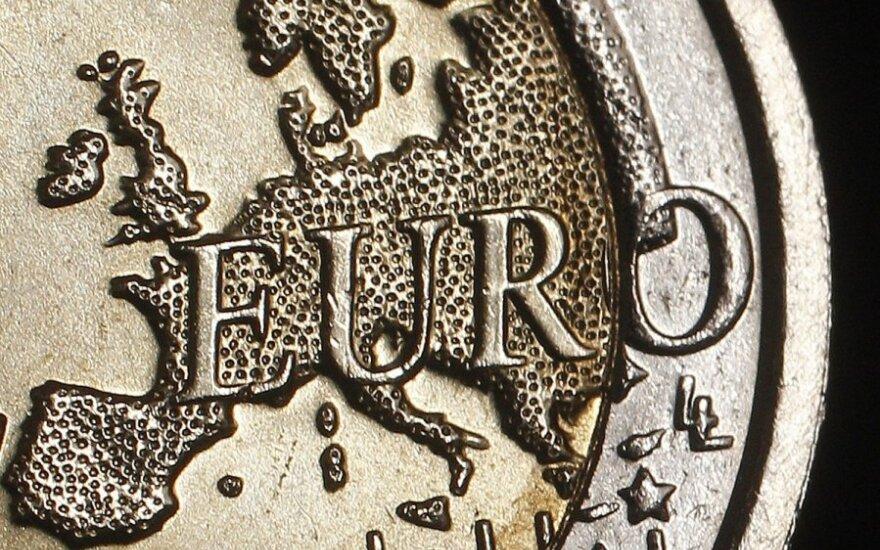 V. Glodenis. Sugauta euro paukštė: prisijaukinti negalima paleisti. Kur dėti kablelį?