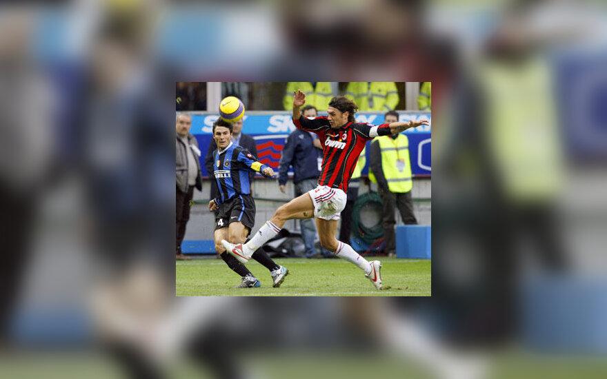 """Paolo Maldini (""""AC Milan"""", dešinėje)"""