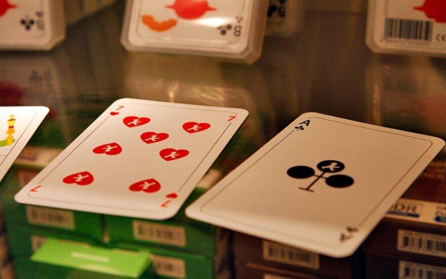 J.Robertsonas: bankai turi nebeplėtoti kazino stiliaus bankininkystės