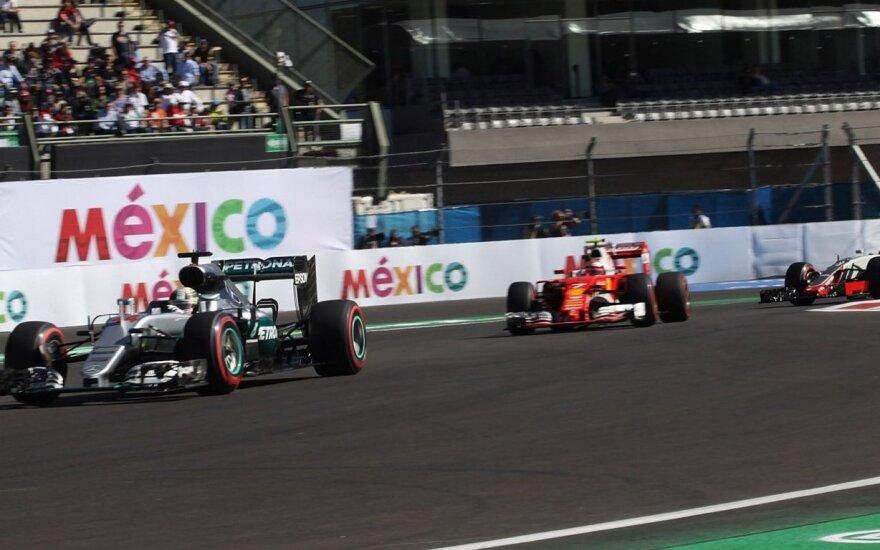 """""""Formulės-1"""" etape Meksikoje iš pirmos vietos startuos L. Hamiltonas"""