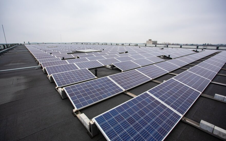 Saulės jėgainė ant daryklos
