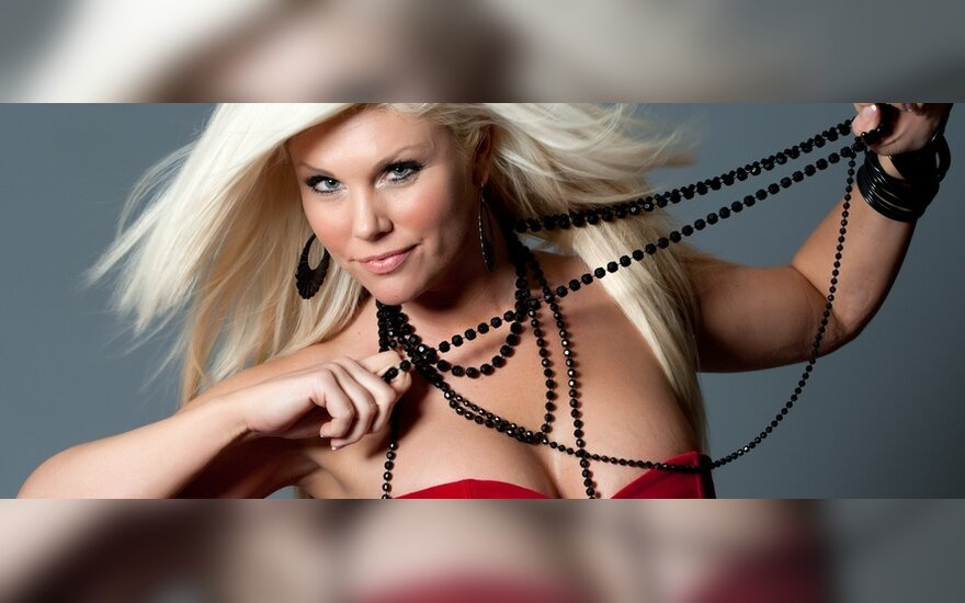 Krūtų didinimas: plastikos chirurgas sklaido mitus