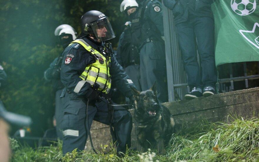 Policija paaiškino, kodėl prieš fanus panaudojo specialiąsias priemones