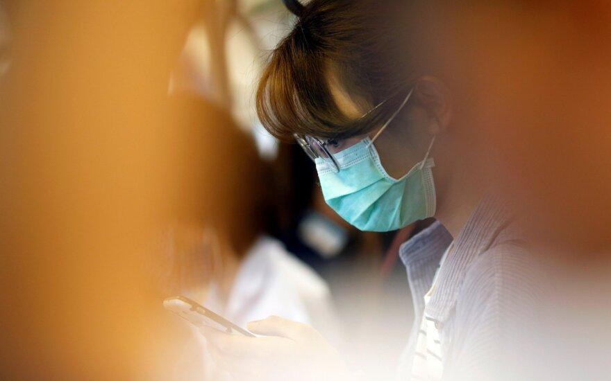 Prancūzijoje patvirtinti penki nauji užsikrėtimo koronavirusu atvejai: užsikrėtė kurortiniame miestelyje