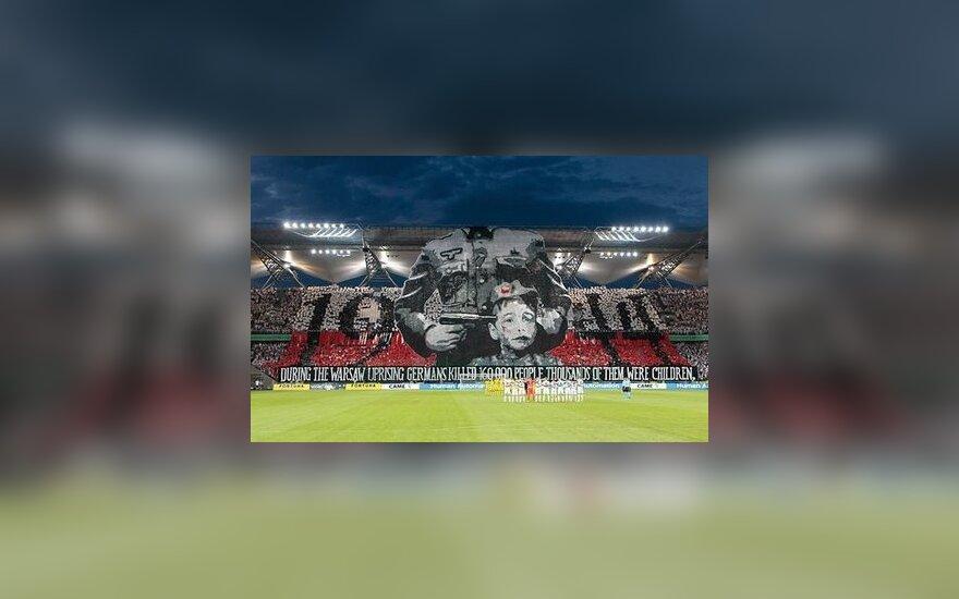 """""""Legia"""" fanų plakatas Varšuvos stadione"""