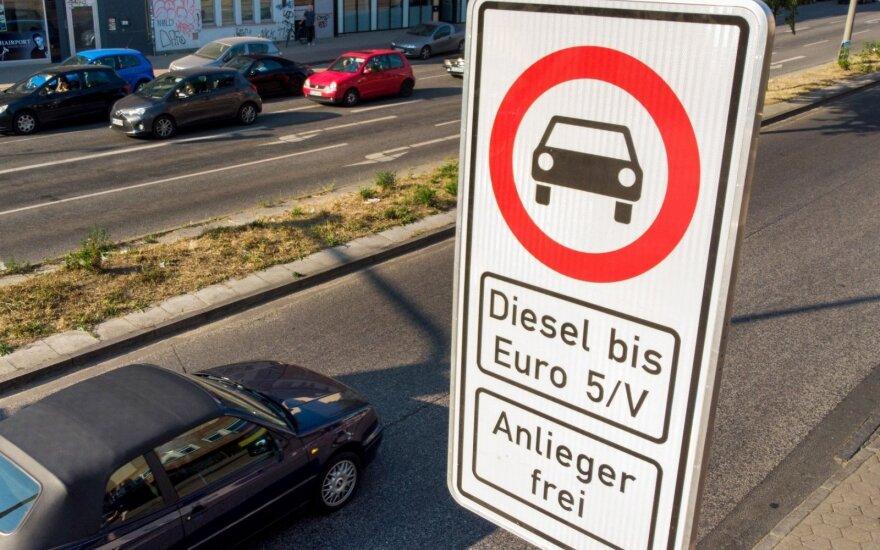 Įsigaliojo dyzelinių automobilių draudimas keliose Hamburgo gatvėse