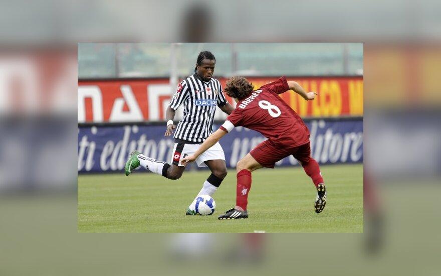 "Cristianas Eduardo Zapata (""Udinese"")  kovoja su Edgaru Osvaldo Barreto (""Reggina)"