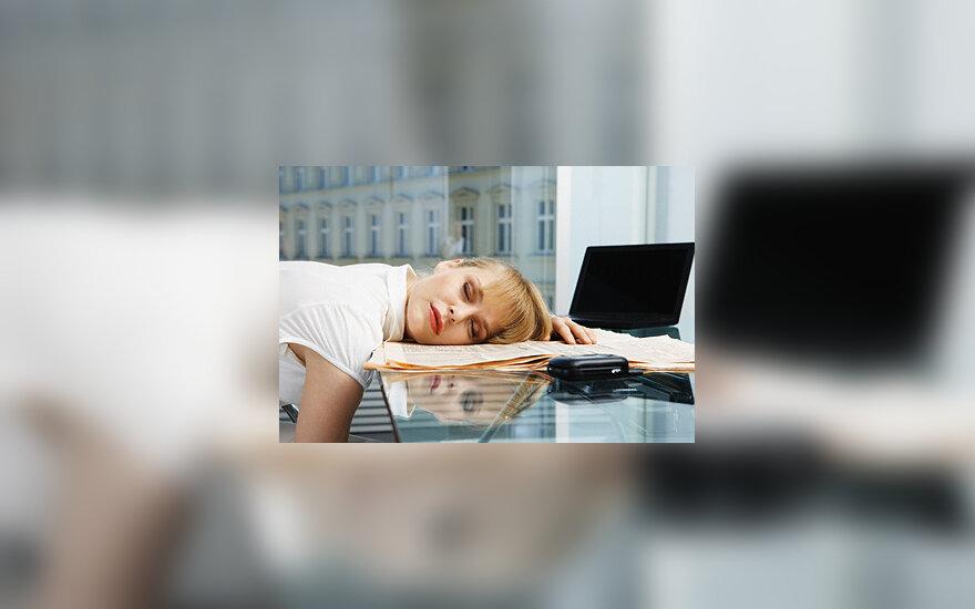 Darbas, moteris, nuovargis