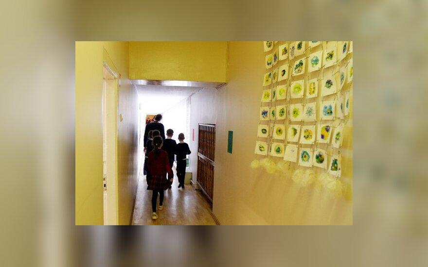 Renovuojama 150 mokyklų ir darželių