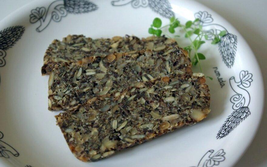 N.Marčėnaitės riešutų duona