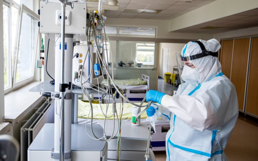 Coronavirus-fighting medics to be awarded with EUR 200 vacation grants