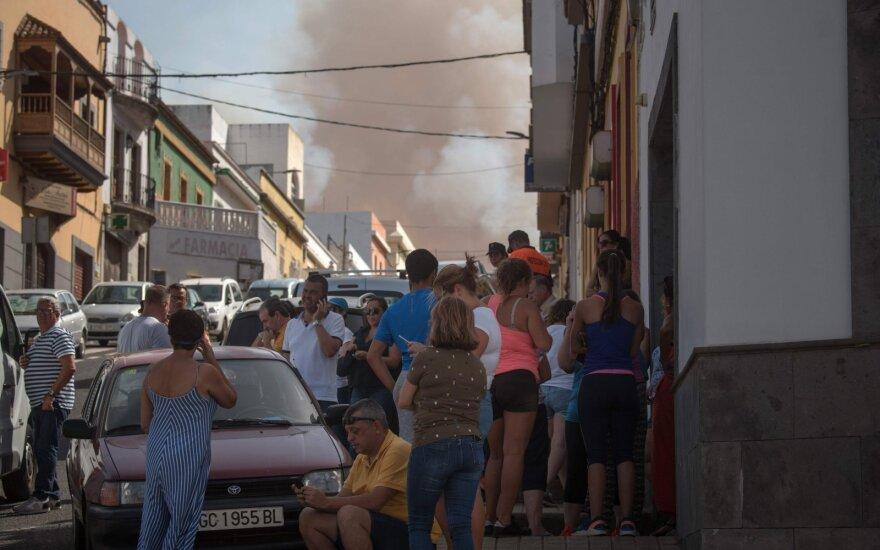Lietuvių pamėgtą salą siaubia gaisras – evakuojami žmonės, viešbučiai uždaromi neribotam laikui