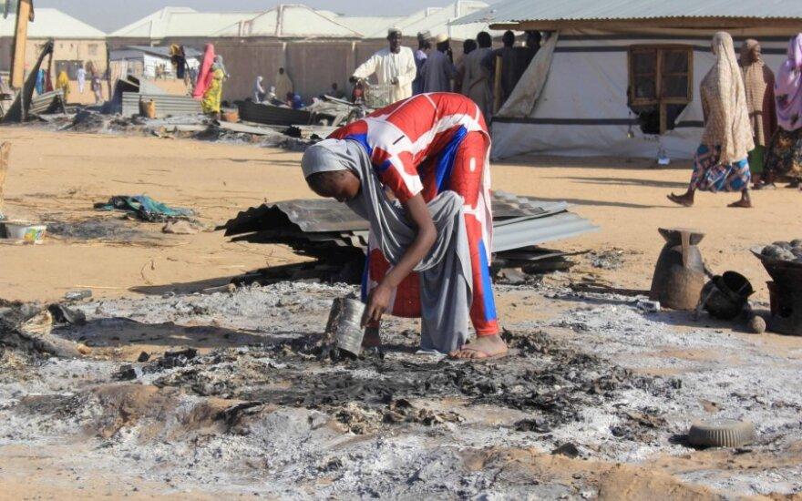 Nigerijoje per trigubą mirtininkų sprogdintojų išpuolį žuvo 30 žmonių