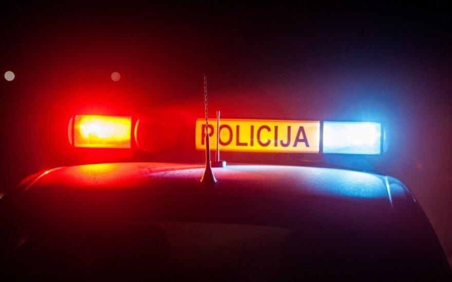"""Tragiškas vakaras Panevėžio rajone: """"Audi"""" pervažiavo vyrą"""