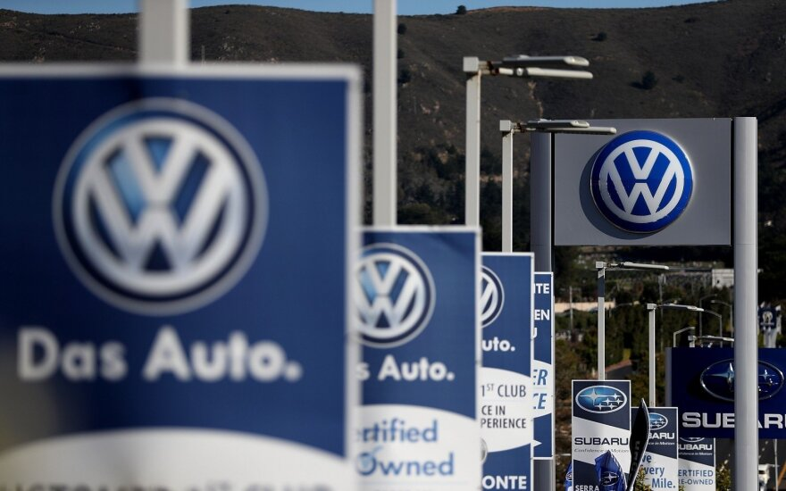 Vokietijos automobilių gamintojai į elektromobilius investuos 60 mlrd. eurų