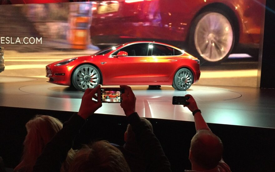 """Tesla Model 3"" pristatymas"