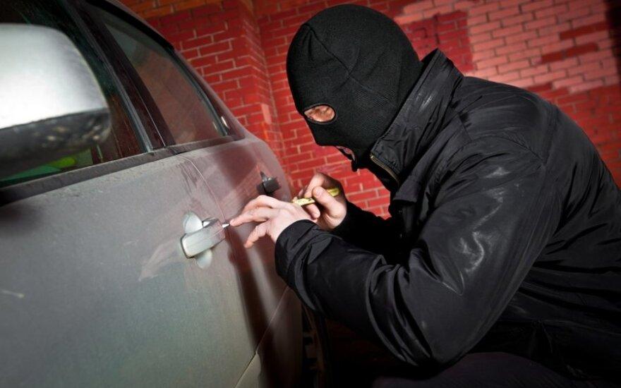 Rudenį įspėjama saugotis suaktyvėjusių automobilių vagių