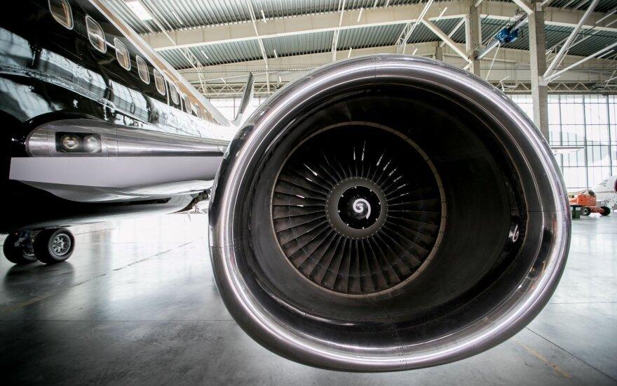 """""""AviaAM Leasing"""" akcininkai nusprendė trauktis iš Varšuvos biržos"""