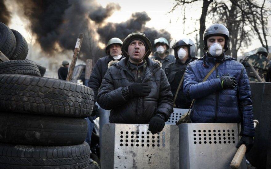 Įtampa Kijeve auga: Maidane vėl aidi šūviai
