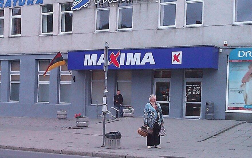 """""""Maximos"""" akibrokštas Vilniuje – trispalvė aukštyn kojomis"""