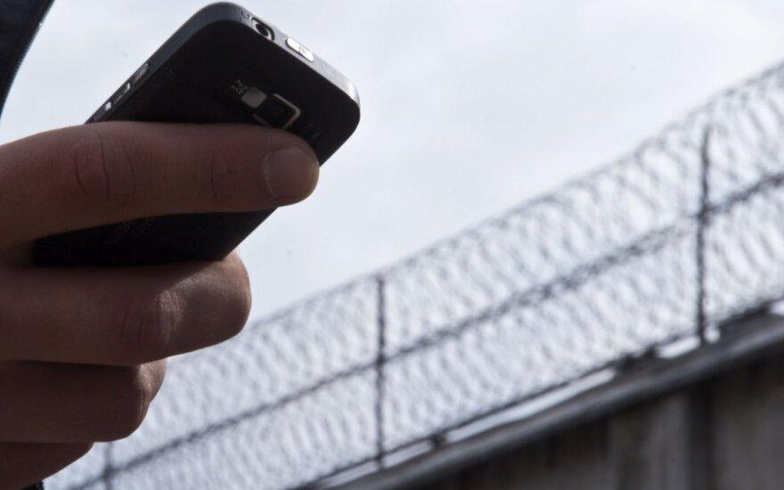 Kas ketvirtą lietuvį yra bandę apgauti telefoniniai ir elektroniniai sukčiai