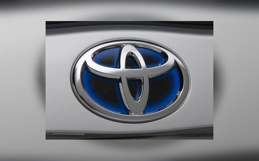 """""""Toyotai"""" gali tekti priverstinai automobilius remontuoti ir Europoje"""