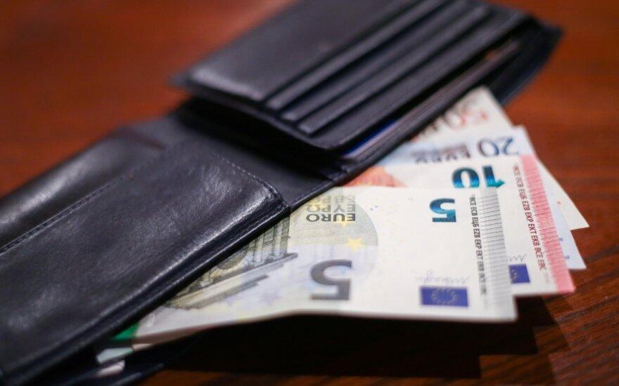 Trintis tarp mažas ir dideles algas gaunančių gyventojų įžiebė konfliktą dėl mokesčių