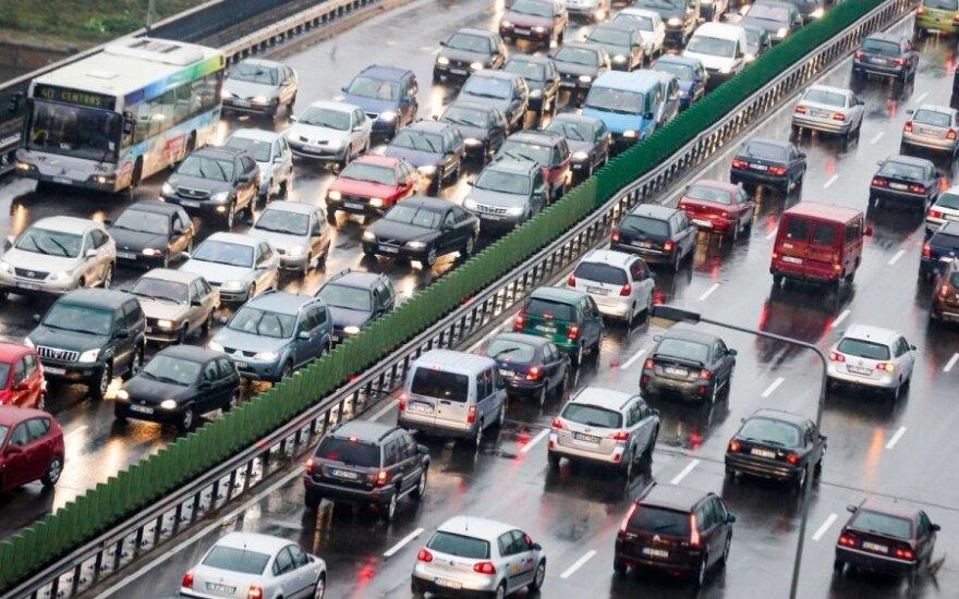 Automobilių keliamas triukšmas bus ribojamas