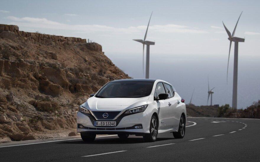 """Simboliška, bet """"Nissan"""" gamina ir geriausiai pasaulyje parduodamą elektromobilį """"Leaf"""""""