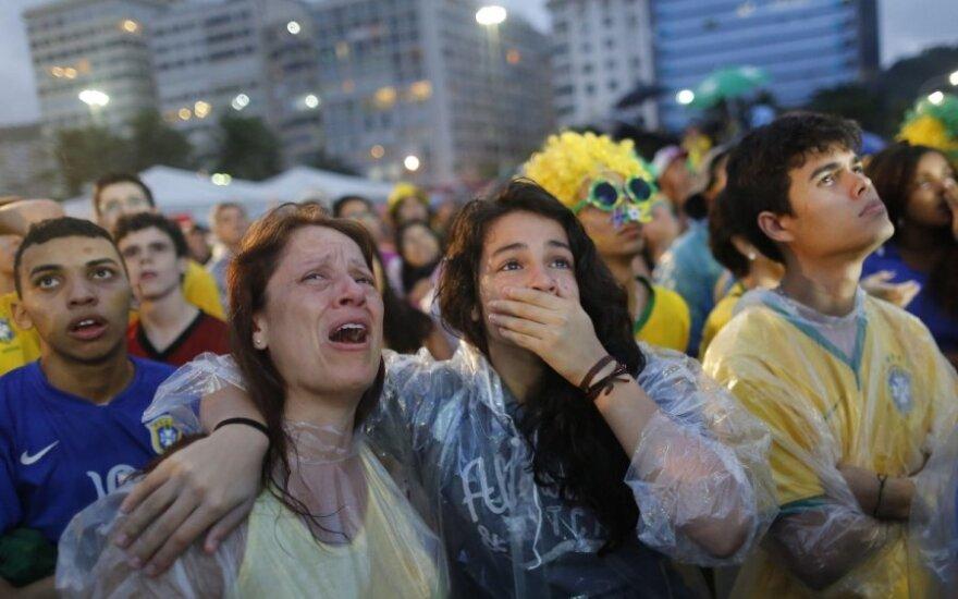 Sirgaliai Kopakabanos fanų zonoje verkė stebėdami Brazilijos rinktinės agoniją