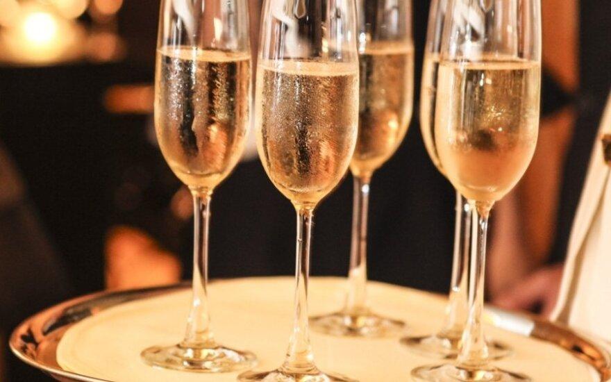 Šampanas: kokias klaidas darome jį gerdami