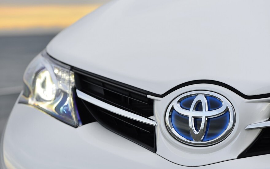 Toyota hibridas. Asociatyvi nuotr.