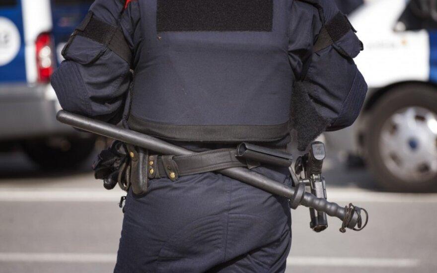 Katalonijoje per besitęsiančią antiteroristinę operaciją suimta 17 žmonių